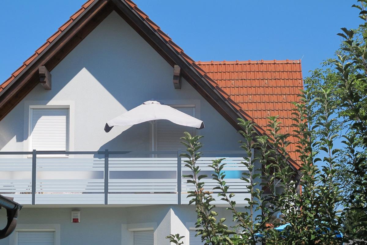 Garde corps aluminium ou vitré > STAKETTO horizontal