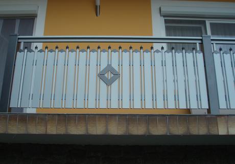 Garde corps aluminium ou vitré > Lattes + Barreaux