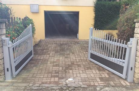 Photo n°2/2 : Élévateur de pente pour vantail de portail